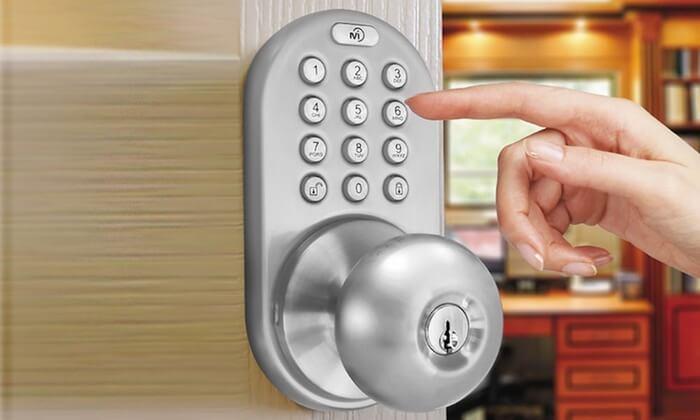 commercial locksmith physical keypad